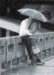 lovers kiss in the rain